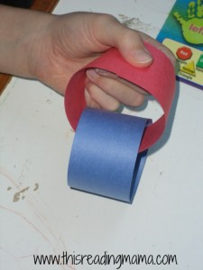 connecting paper chain