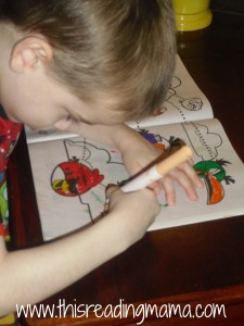 coloring in Angry bird book