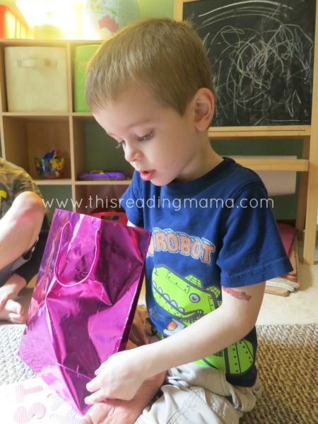 Reach in the bag and feel a letter guessing game | This Reading Mama