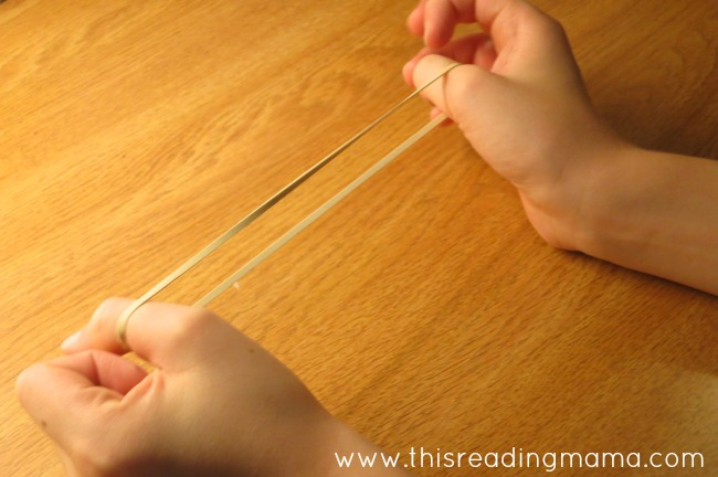 Stretching out sounds like a rubber band for spelling | This Reading Mama