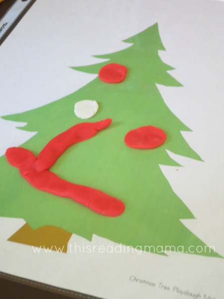 decorate the Christmas Tree playdough mat