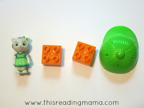 matching rhyming words with LEGO bricks