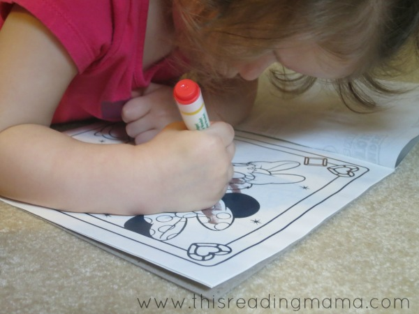 using color wonder pages when reading aloud to toddlers