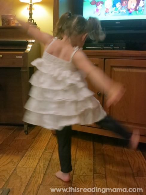 dancing and singing preschool songs with Super Simple Learning