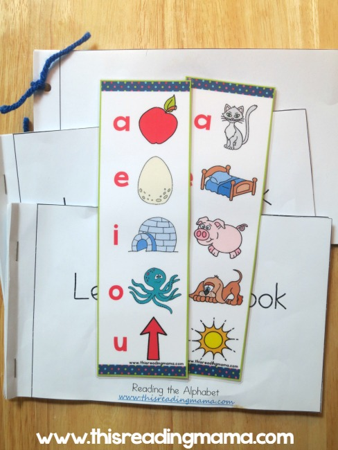 Bookmarks for short vowel sounds - This Reading Mama